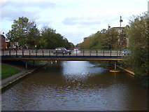 SK5803 : Bridge over the Grand Union Canal, Leicester by JThomas