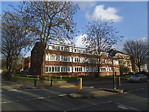TQ3874 : Flats on Manor Park, Lee by Stephen Craven