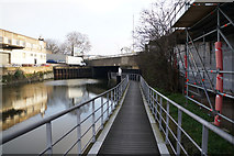TQ3882 : The Limehouse Cut towards Mill Meads by Ian S
