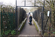 TQ3187 : Footbridge over train lines at Finsbury Park by Ian S