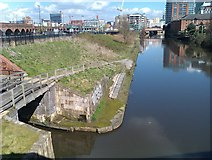 SJ8298 : River Irwell at entrance to the Manchester Bolton and Bury Canal by David Martin