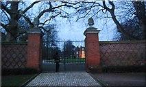 TM1644 : Entrance wall and Gates, Christchurch Park by N Chadwick