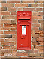SK6943 : East Bridgford postbox ref NG13 35 by Alan Murray-Rust