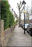 TQ2785 : Parliament Hill, Belsize Park, NW3 by Kate Jewell