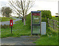 SK7549 : East Stoke postbox ref NG23 146 and telephone kiosk by Alan Murray-Rust