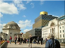 SP0686 : Hall of Memory and new Library, Birmingham by Tricia Neal