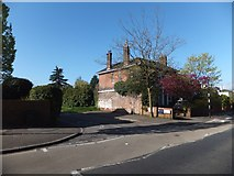 SX9392 : The end of Manston Terrace, Exeter by David Smith