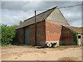 TG3212 : Barn by Dye's Farm by Evelyn Simak