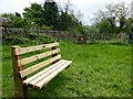 TF0820 : Memorial bench by Bob Harvey