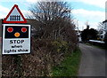 SN4006 : STOP when lights show, Quay Road, Kidwelly by Jaggery
