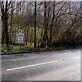 SO8406 : Northern boundary sign, Stroud by Jaggery