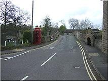 SK2572 : Bridge over the River Derwent, Baslow by JThomas