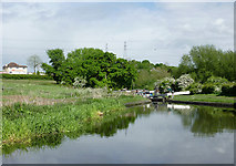 SO8690 : Approaching Hinksford Lock south of Swindon, Staffordshire by Roger  Kidd