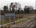 SS7598 : Semaphore railway signals, Neath by Jaggery