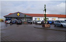 O0774 : Lidl supermarket (2), Donore Road, Drogheda, Co. Louth by P L Chadwick