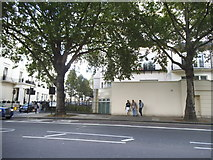 TQ2780 : Bayswater Road by Marble Arch by David Howard