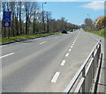 SM9514 : Warning of low bridge ahead, Freemans Way, Haverfordwest by Jaggery