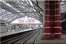SJ3590 : Platform 6a, Liverpool Lime Street railway station by El Pollock