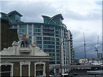 TQ3078 : St George Wharf development and Vauxhall Bridge by Marathon