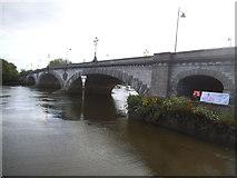 TQ1977 : Kew Bridge by David Howard