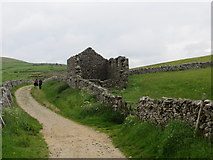SD8172 : Disused Barn beside the Pennine Way at Brants Gill Head by Peter Wood
