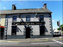 H8744 : The Toby Jug, Armagh by Kenneth  Allen