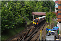 SU4212 : Approaching Southampton Central by Stephen McKay