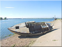 TQ8068 : Wrecked boat by Horrid Hill causeway by Chris Whippet