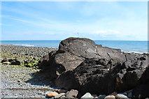 NX4235 : Cross on a Rock at Port Castle Bay by Billy McCrorie