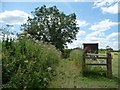 SU6321 : Public footpath from Lower Peake Cottage to Peake Farm by Christine Johnstone