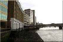 TQ3280 : The Thames Path runs in front of London Bridge Hospital by Steve Daniels