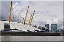 TQ3980 : London : Royal Borough of Greenwich - River Thames & O₂ Arena by Lewis Clarke