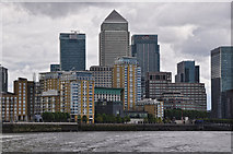 TQ3680 : London : Tower Hamlets - The River Thames by Lewis Clarke