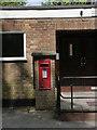 SU6491 : Ewelme Postbox ref OX10 668 by Alan Murray-Rust
