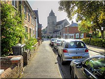 SU6351 : Basingstoke, Southern Road by David Dixon