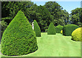 SE9364 : Topiary with statue by Pauline E