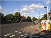 TQ2075 : Lower Richmond Road at the junction of Kingsway by David Howard