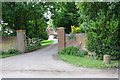 SU6182 : Entrance driveway to Grove House, Icknield Road by Roger Templeman