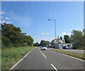 SU9199 : A413 passes Deep Mill Diner by Stuart Logan