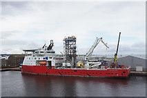NJ9505 : Skandi Constructor at Clipper Quay, Aberdeen by Mike Pennington