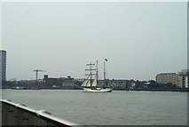 TQ3880 : View of Loth Lorien passing Greenwich Peninsula #2 by Robert Lamb