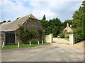 SU3696 : Stone Walls, Pusey by Des Blenkinsopp