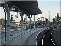 SK3635 : Derby Midland Station: Platform 4 and the new London Road Bridge by John Sutton