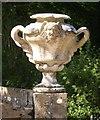 SU0931 : Urn, Wilton House by Derek Harper