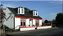 NS4865 : Cottage on Inchinnan Road by Thomas Nugent