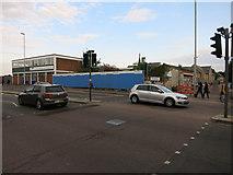 TL4658 : Derelict site on Newmarket Road by Hugh Venables