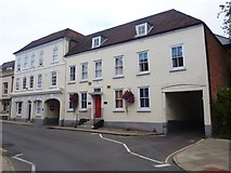 SU3521 : Former Bell Inn and adjoining building by David960