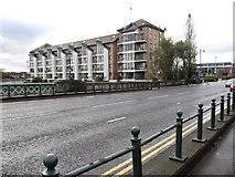 J3473 : Albert Bridge and St George's Harbour Apartments by Eric Jones