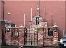 J3674 : Red Hand Commando Memorial, Newtownards Road by Eric Jones