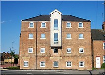 TF0920 : The Burghley Street warehouse, Bourne, Lincolnshire by Rex Needle